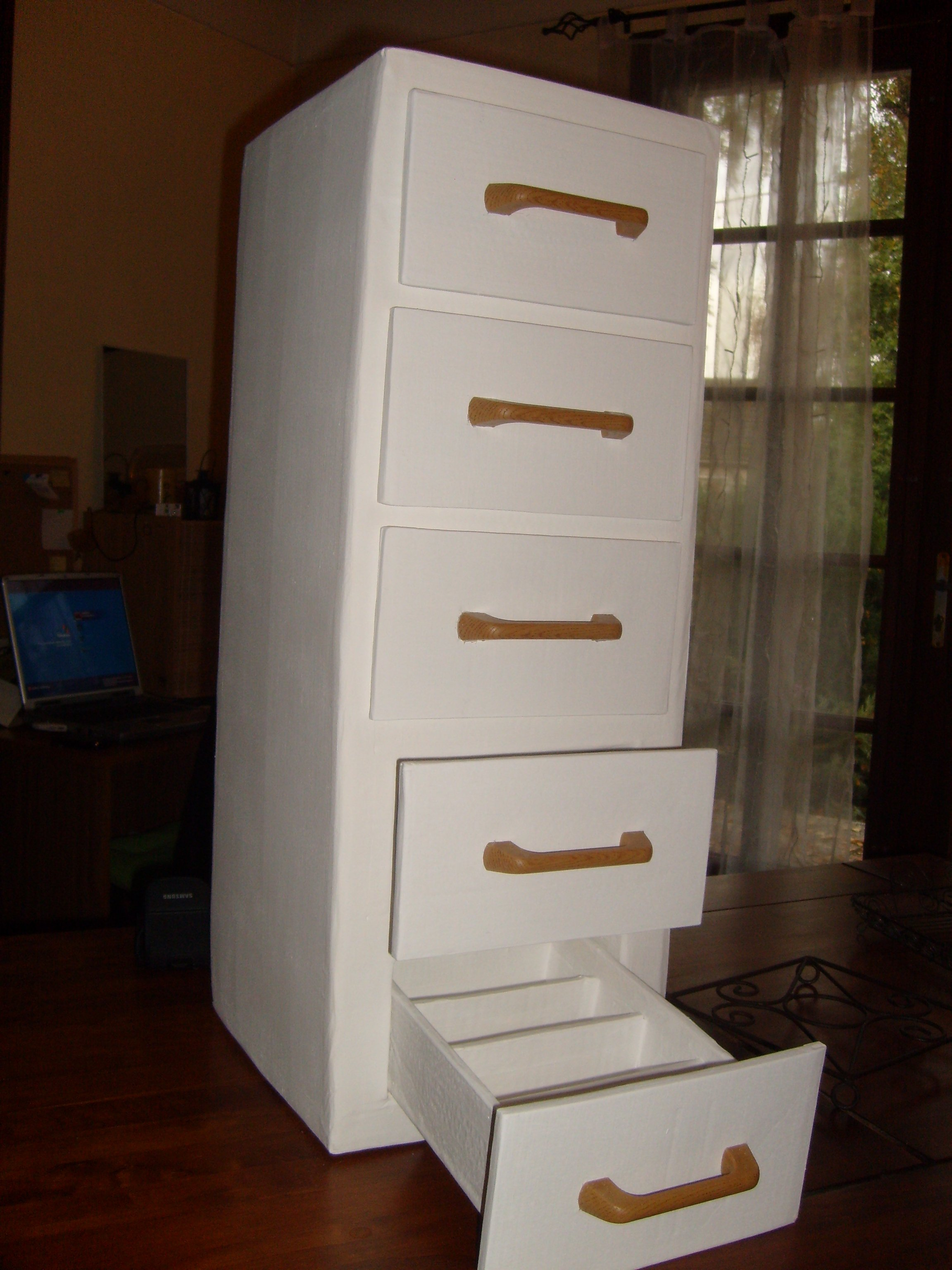 le meuble range couverts cr ativit c carton. Black Bedroom Furniture Sets. Home Design Ideas